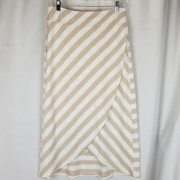 Athleta womens wrap skirt size S white brown strip